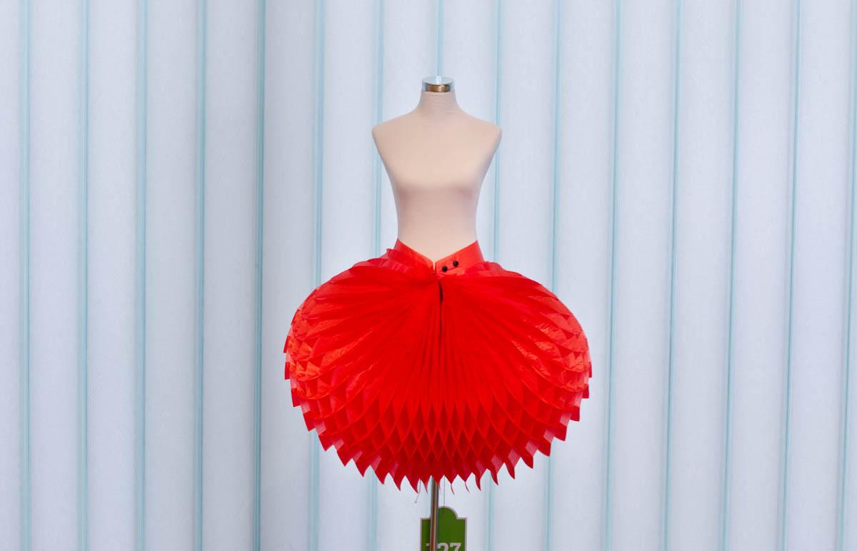 Paperfashion 00154 - Galerie Stihl Waiblingen: Ausstellung »Papier Fashion«