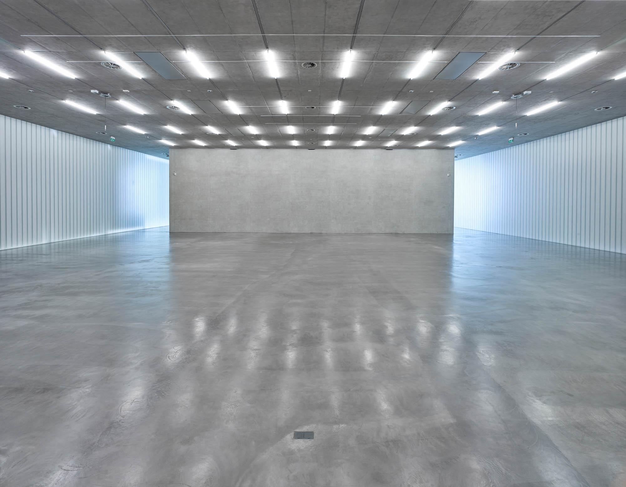 OPC 160908 0016 20 - Galerie Stihl Waiblingen: Ablichtung der Ausstellungshalle