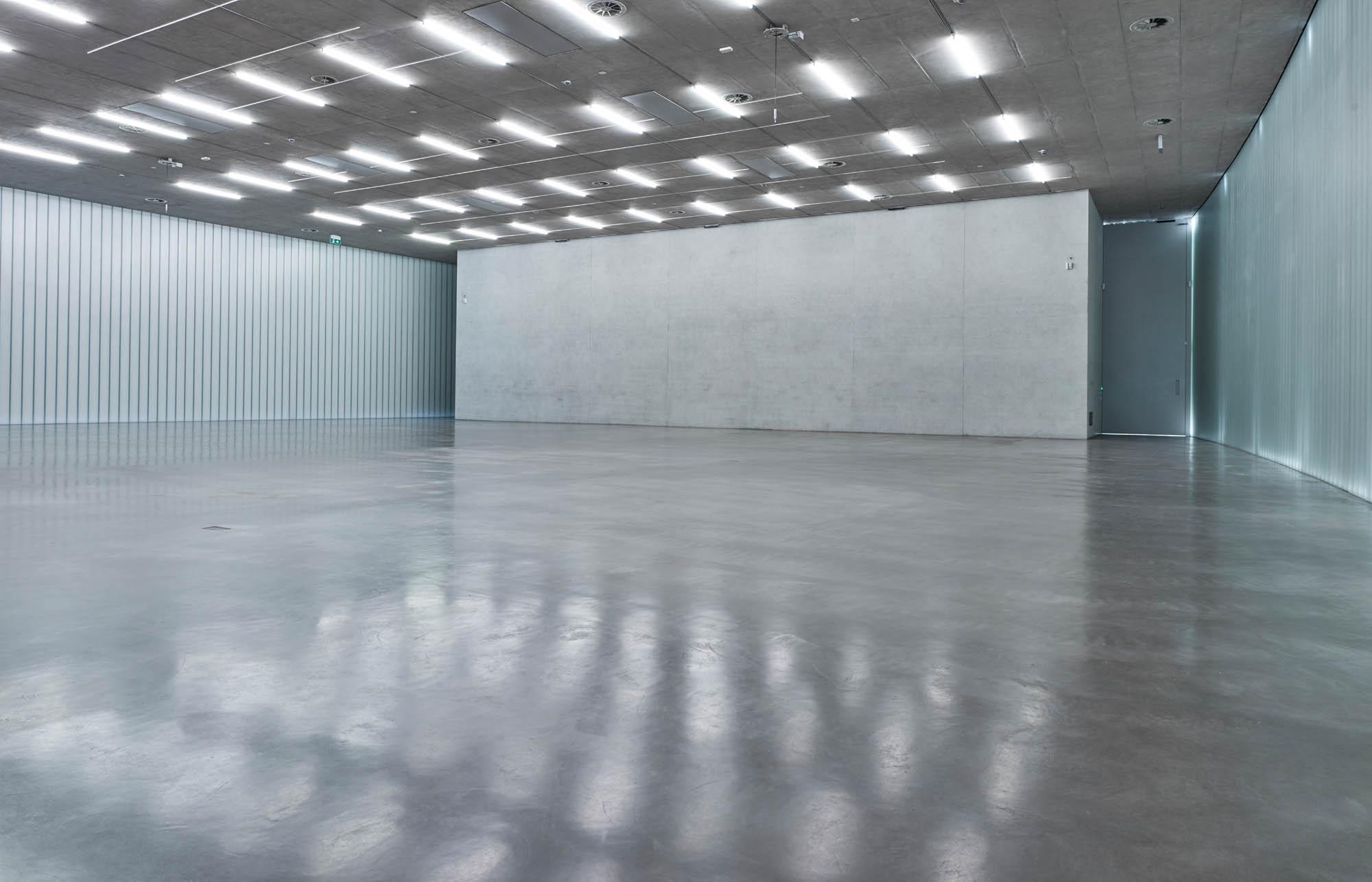 OPC 160908 0036 - Galerie Stihl Waiblingen: Ablichtung der Ausstellungshalle
