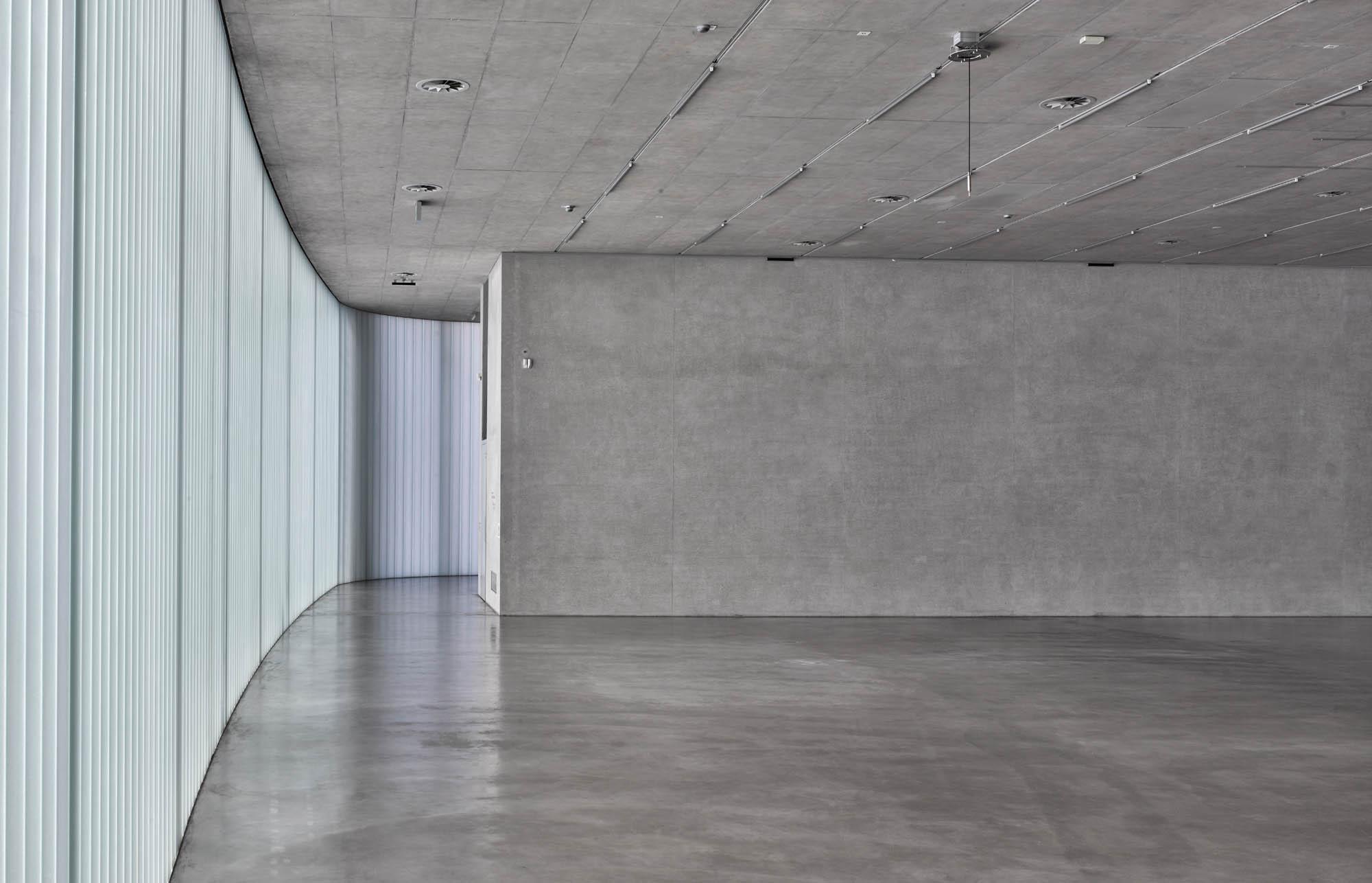 OPC 160908 0057 - Galerie Stihl Waiblingen: Ablichtung der Ausstellungshalle
