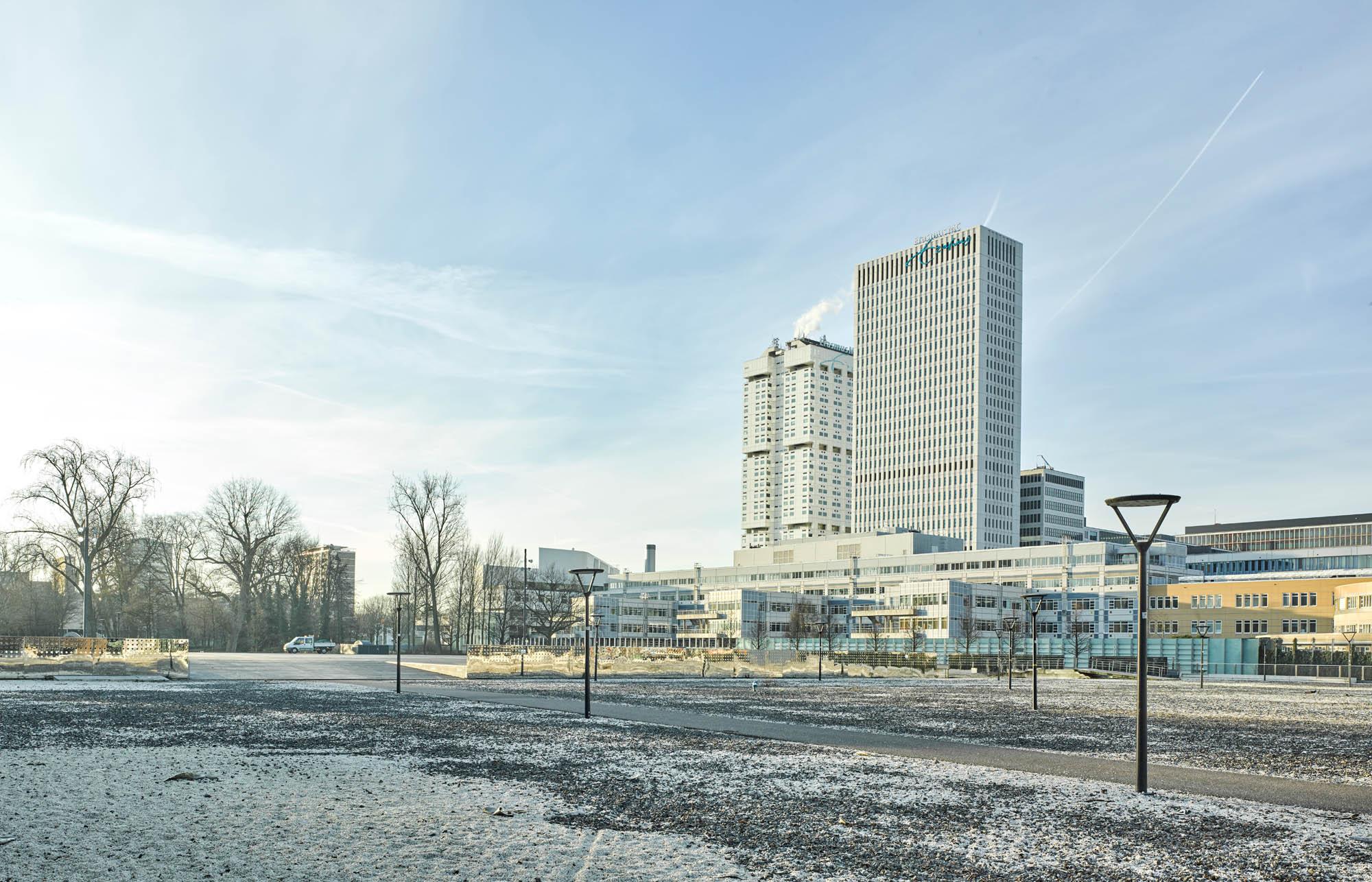 Opp 004738 - Rotterdam: Spielwiese verrückter Architektur von Weltruf