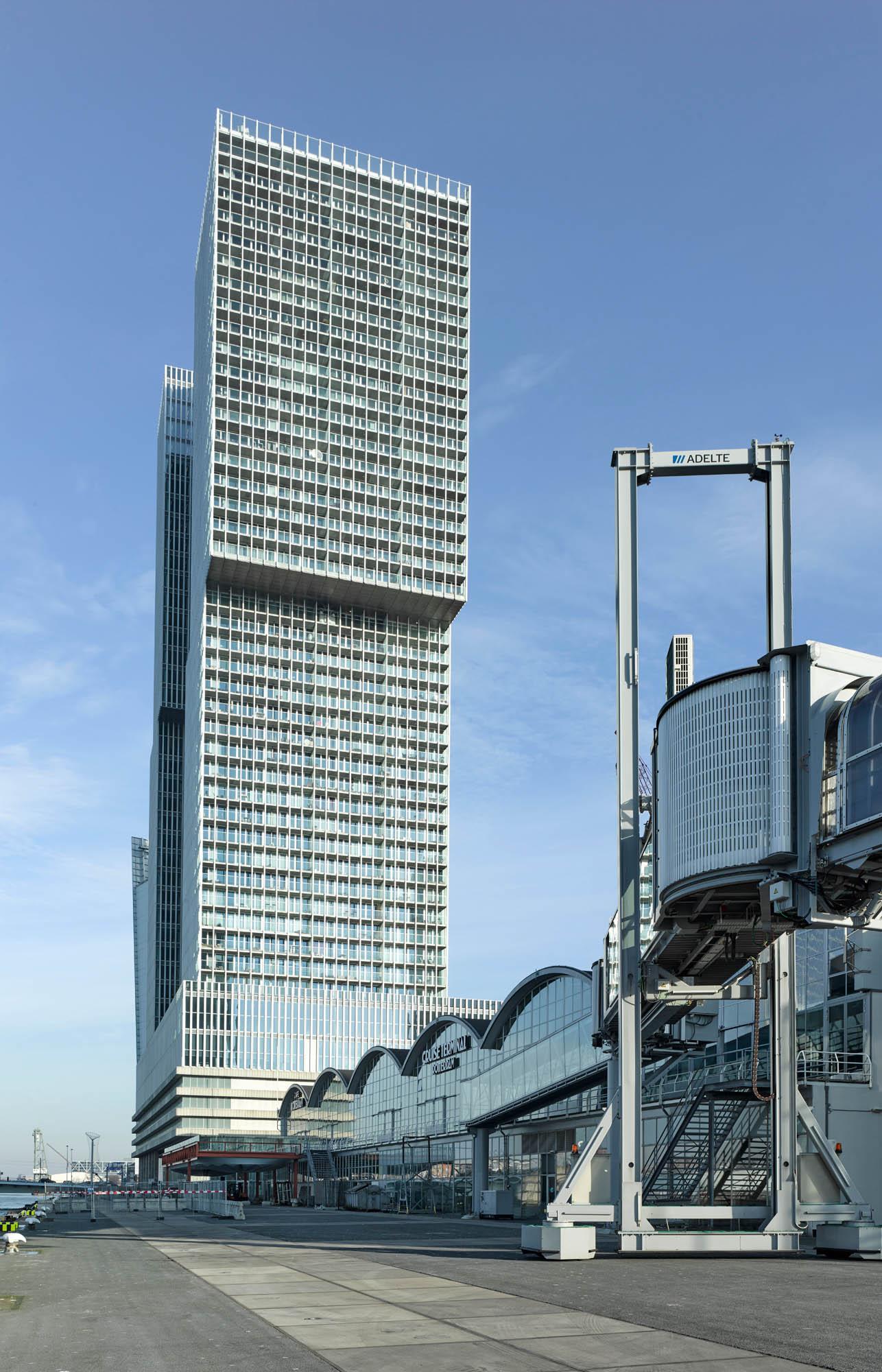 Opp 004799 - Rotterdam: Spielwiese verrückter Architektur von Weltruf