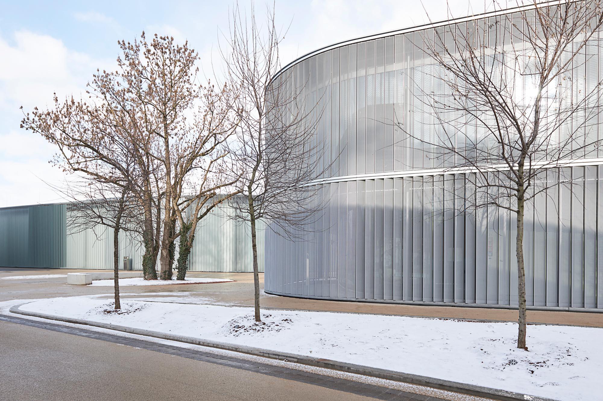 OPC 160117 0180 1 - Galerie Stihl Waiblingen: Außenansichten aus sechs Perspektiven und vier Jahreszeiten