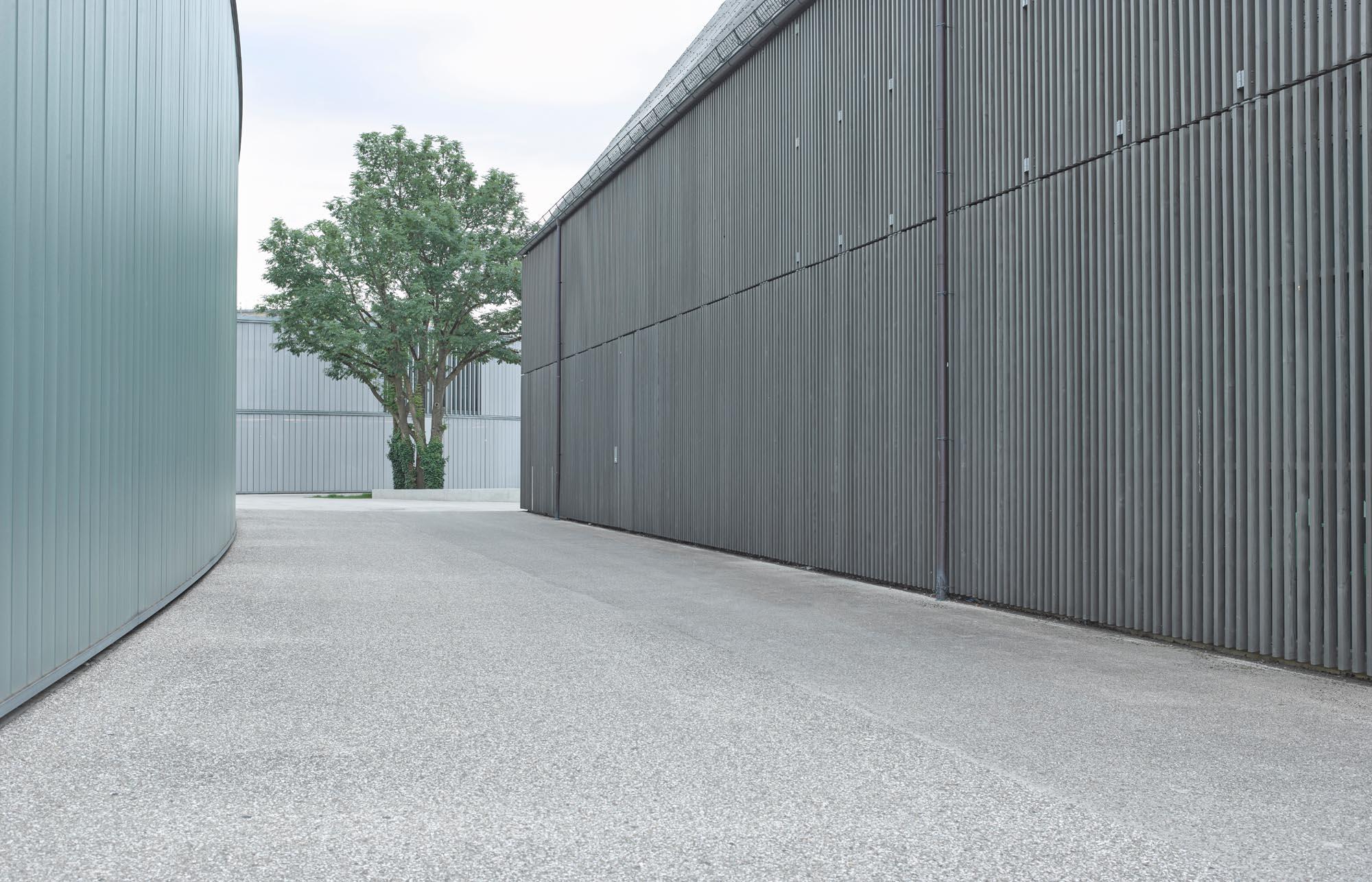OPC 160622 10368 - Galerie Stihl Waiblingen: Außenansichten aus sechs Perspektiven und vier Jahreszeiten