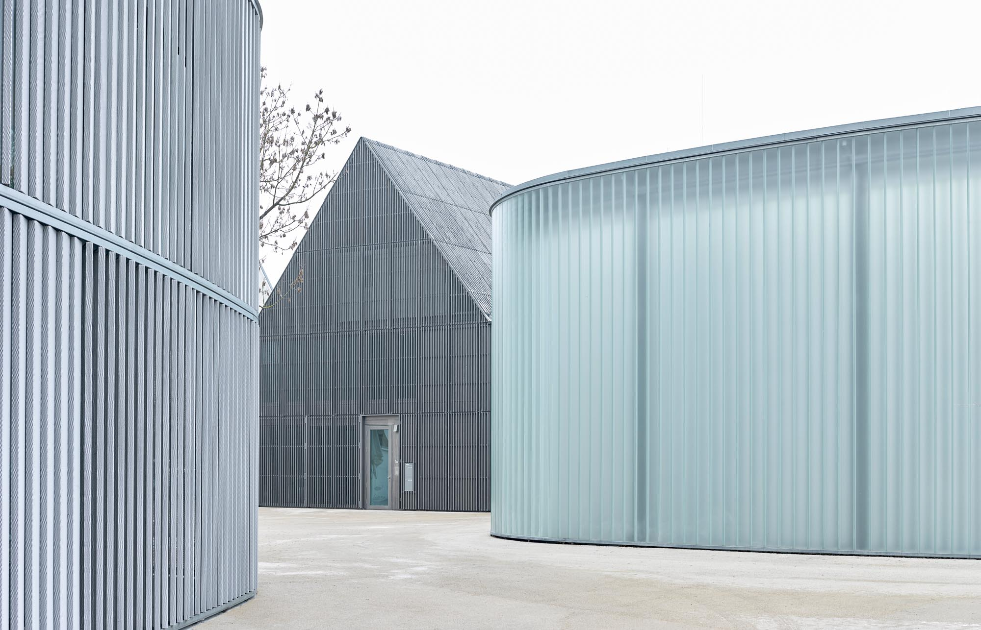 Opp 002417 ret - Galerie Stihl Waiblingen: Außenansichten aus sechs Perspektiven und vier Jahreszeiten