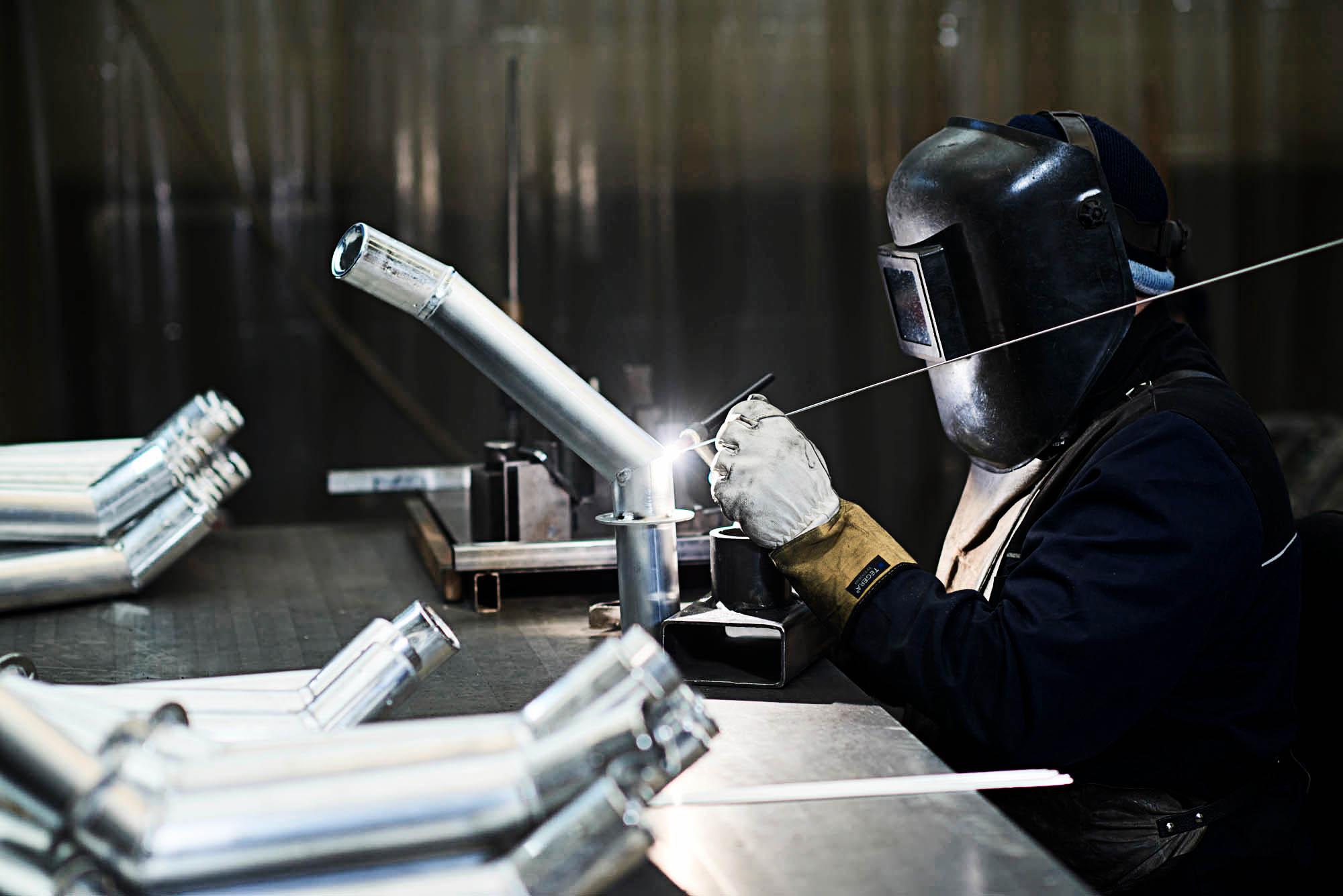 OPC 161220 14983 1 - Jud Metallbearbeitung: Moderne Industriefotografie
