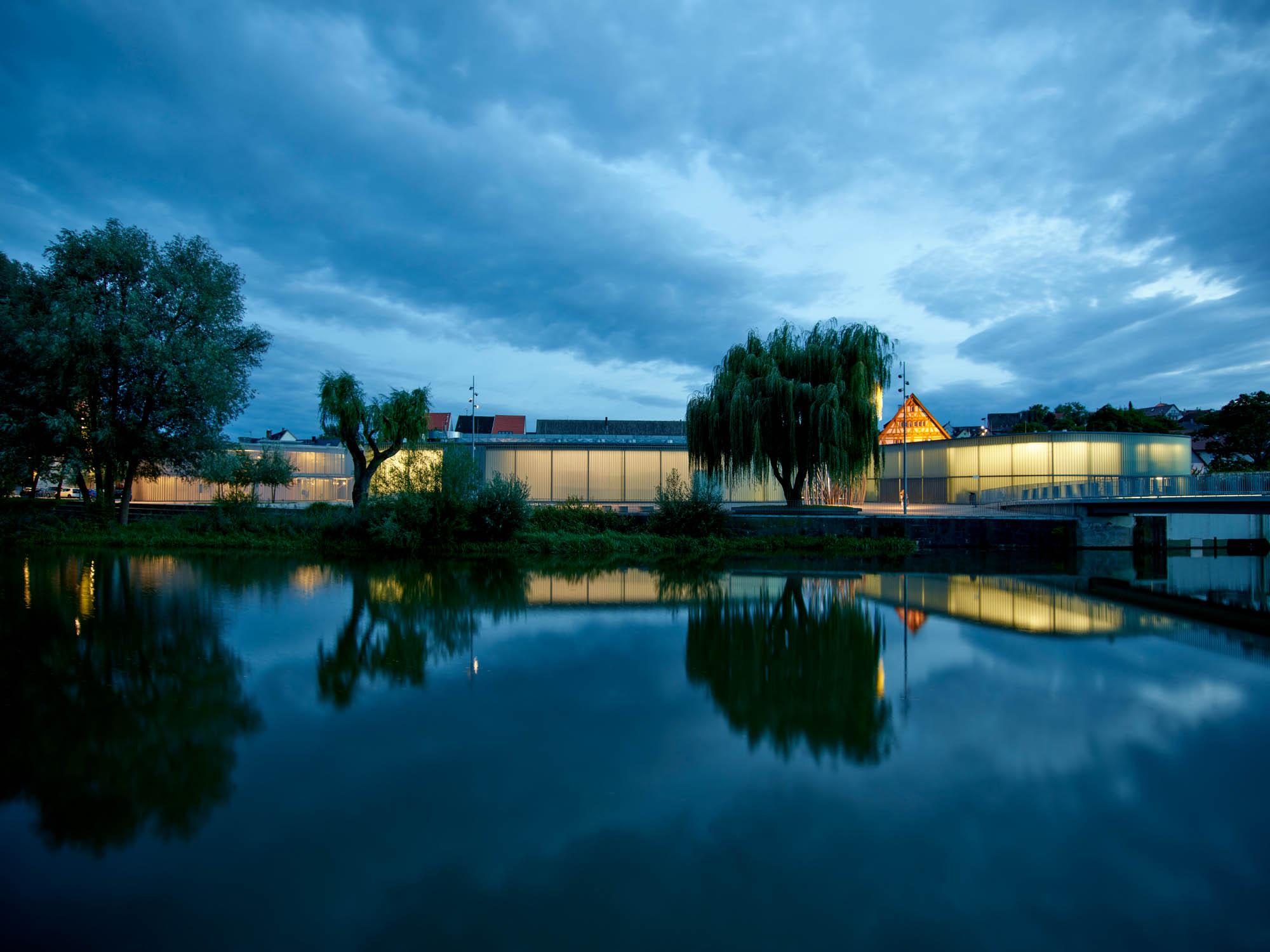 OPP 170906 0068 - Galerie Stihl Waiblingen und Eva Mayr-Stihl Stiftung: leuchtendes Ensemble