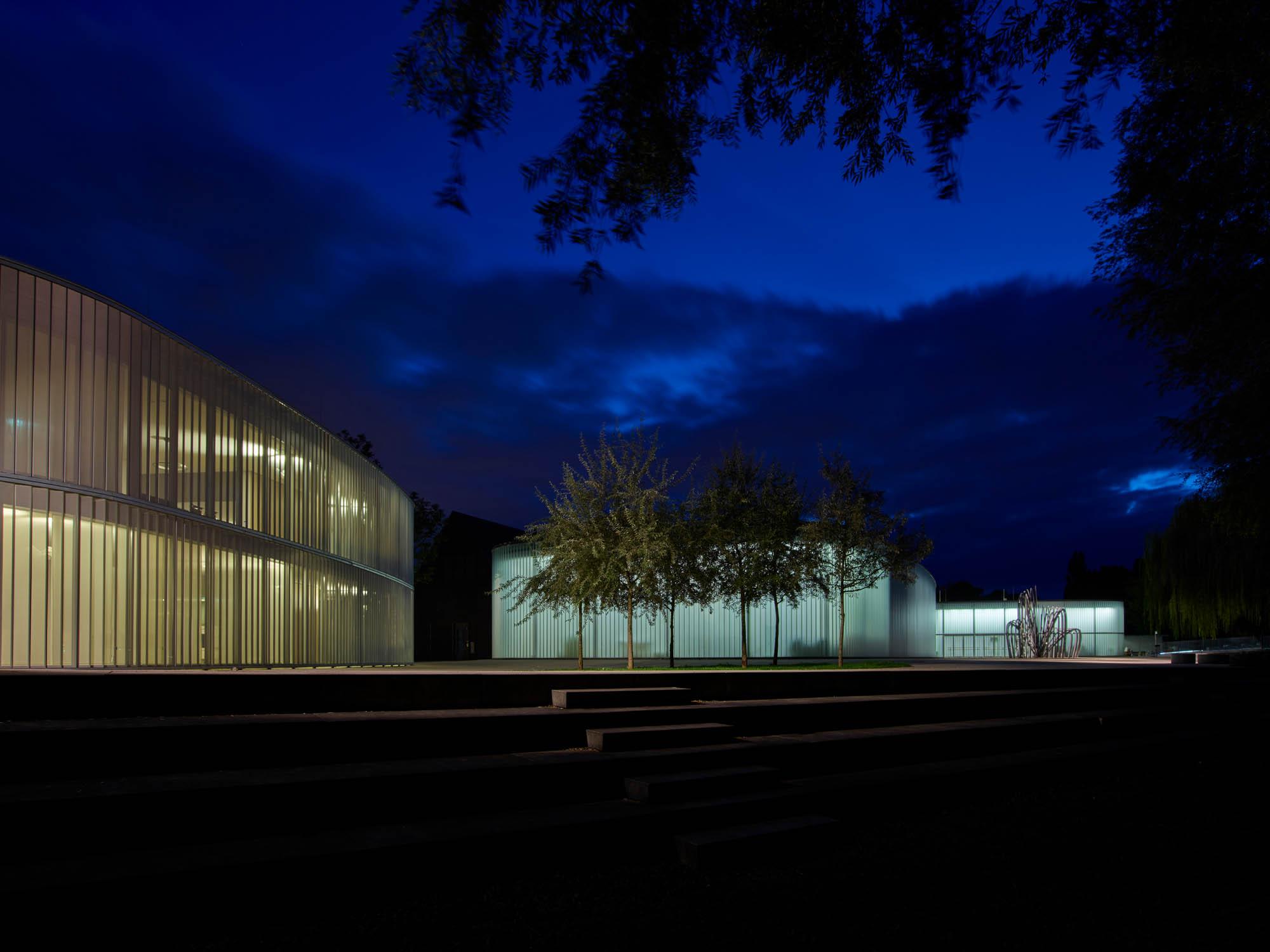 OPP 170906 0089 - Galerie Stihl Waiblingen und Eva Mayr-Stihl Stiftung: leuchtendes Ensemble